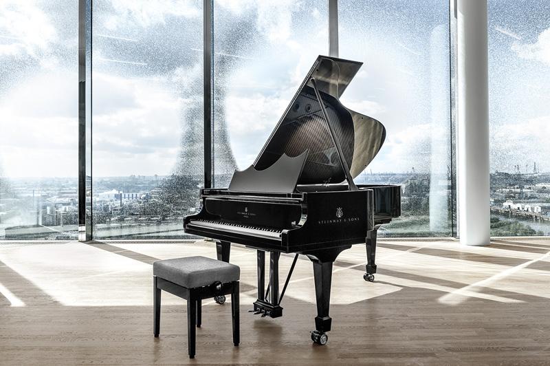 Восемь роялей
