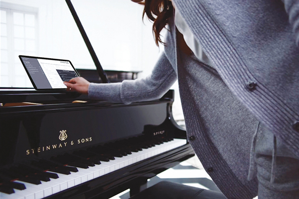 Записывайте и редактируйте музыку со Steinway