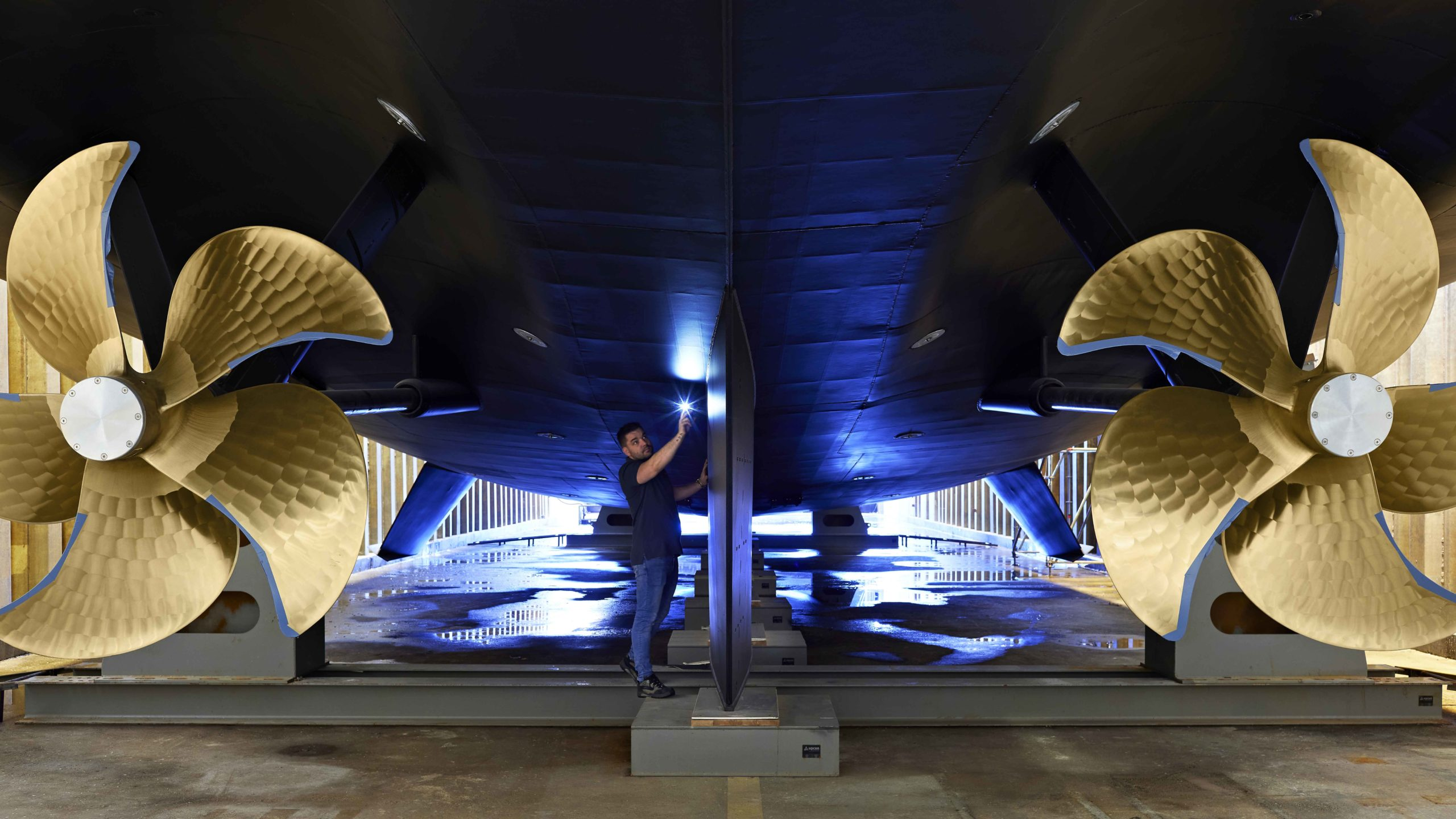 Heesen Project Falcon спущена на воду